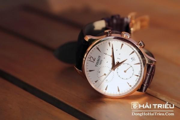 Đồng hồ Tissot dây da 1853 được biết đến là một trong những thương hiệu vang danh về đồng hồ Thụy Sỹ nữ dây da.
