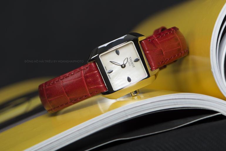 Mix Đồ Sang Chảnh Dạo Phố Cùng Đồng Hồ Tissot Mặt Vuông - đồng hồ Tissot mặt vuông chính hãng